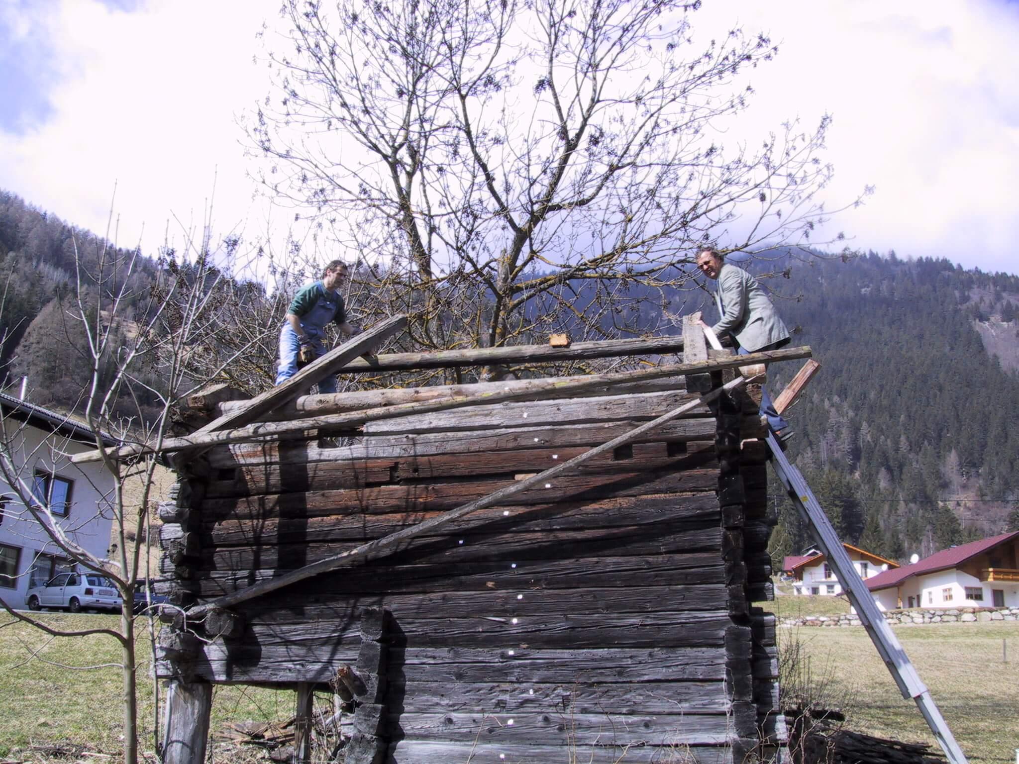 Abbau der Mühle im Mölltal